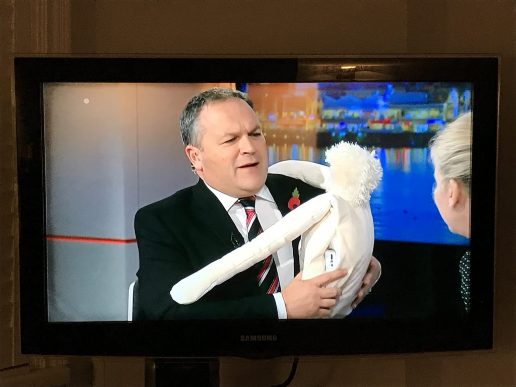 This image has an empty alt attribute; its file name is ITV-Wales-HUG-by-LAUGH-3.jpg